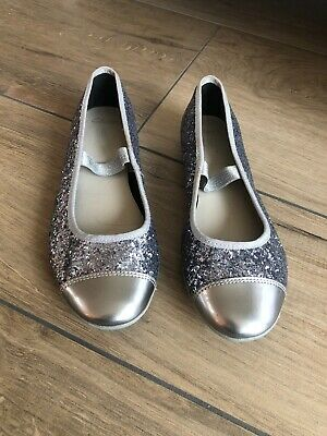 Clarks Girls Glittery Sparkly Silver Pumps Size 3.5F Shoes