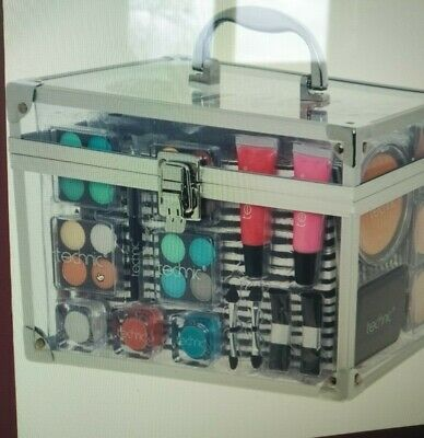 Essential Cosmetic Case And Cosmetics Bnwt Unopen