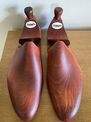 Trickers of England Shoe Trees Size 9 (630) Cedar Wood & Brass - Reddish Brown