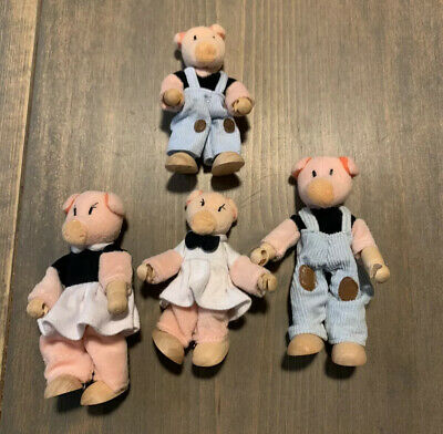 """YUMI Jeepers Miniature Dollhouse Pickles Family Lot Of 4 Wood Figurines Size: 4"""""""