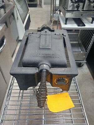 F.s. Carbon Co . Used Waffle Maker Includes Free Shipping