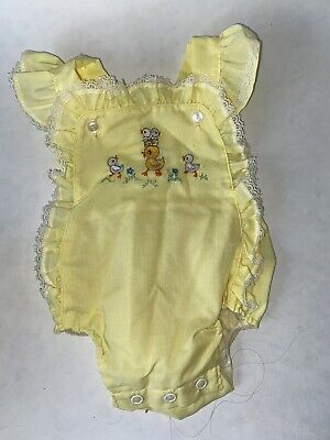 Vintage Yellow Infant Girl Lace Trimmed DUCKS Embroidered Baby ROMPER Sunsuit