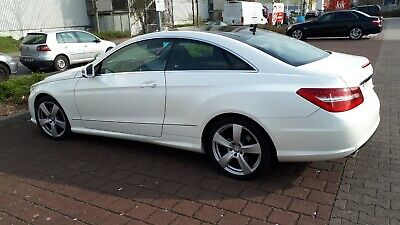 Mercedes-Benz E 350 CDI DPF Coupe BlueEFFICIENCY 7G-TRONIC AMG