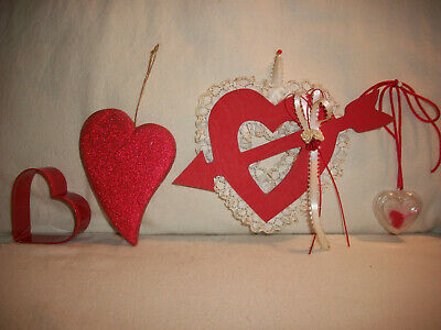 Lot Of 4 Vtg Heart Shaped Valentine's Day Décor Ornaments Tin Wood Lace Glitter