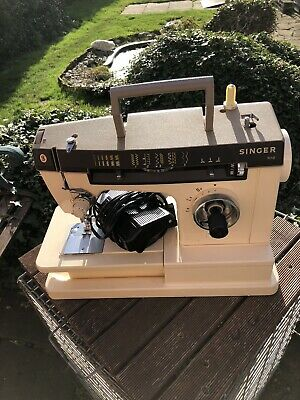 Singer Model 7110  Sewing Machine inc zig-zag, pattern's,button's,free-arm.