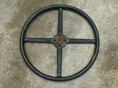 ancien volant quatre branches / Old steering wheel for Cyclecars / Amilcar 20's