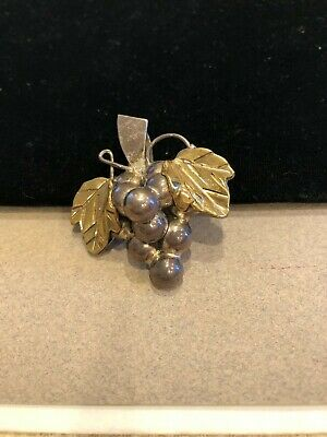 Sterling Silver 925 pendant Pin/brooch bunch of grapes made in Mexico