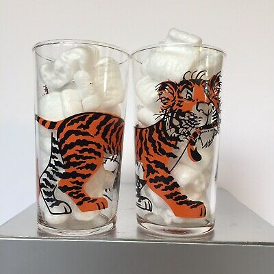 Vintage Esso Tiger Gas Station Fill Up Tiger by the Tail 4 3/4 Inch 2 Glass Set