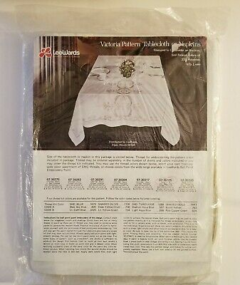 """Lee Wards Victoria Pattern 8 NAPKINS 16"""" Stamped to Embroider"""