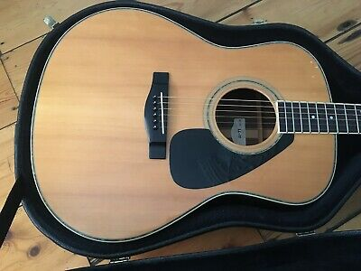 Yamaha LL-11 Acoustic Guitar + Hard Case