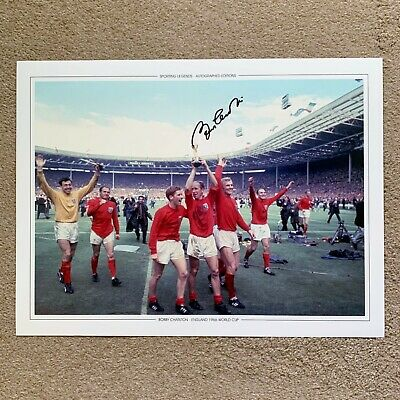 BOBBY CHARLTON ENGLAND 1966 WORLD CUP HAND SIGNED PHOTO AUTHENTIC + COA - 16x12