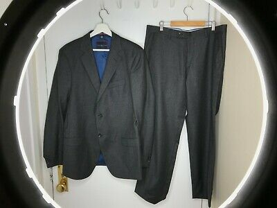 EUC Tommy Hilfiger Charcoal Grey Houndstooth Virgin Wool Suit 50R 40R 2btn Nice