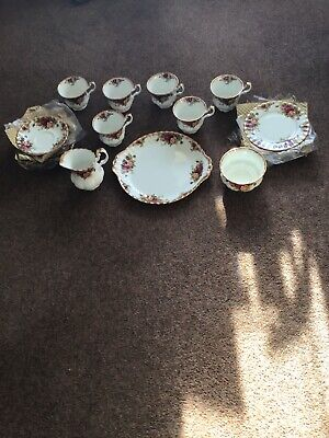 Royal Albert Old Country Roses 21 Piece Tea Set 1st Quality. New.