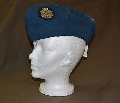 Used Royal Canadian air force cadet wedge size 7 with badge (refw1Box146)