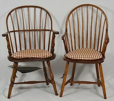 PAIR OF EARLY 19TH CENTURY Sack Back Windsor Chairs Armchairs