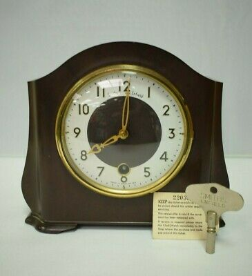 Vintage SMITHS ENFIELD Bakelite Mantel Clock from 1940s - Made in Great Britain