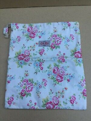 Cath Kidston Small Canvas Wash Bag with pull cord. Pink Roses / Floral Design