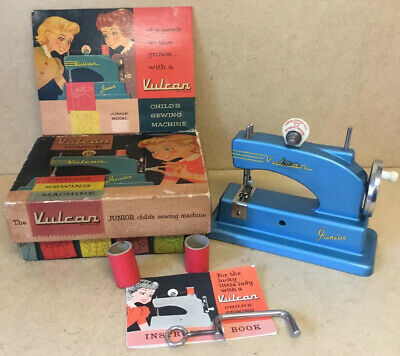 VINTAGE 1960s VULCAN  CHILDRS SEWING MACHINE EXCELLENT CONDITION ORIGINAL BOX