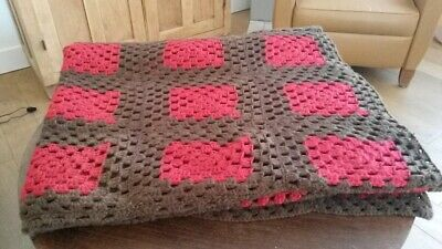 Plaid au crochet vintage marron et rouge 117cmX200cm