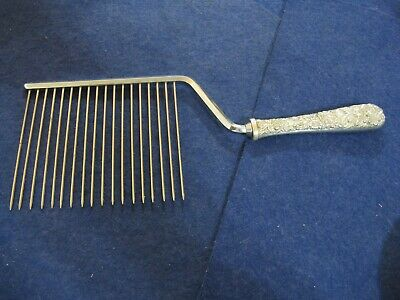 """""""REPOUSSE"""" by S KIRK & SON STERLING SILVER CAKE BREAKER"""