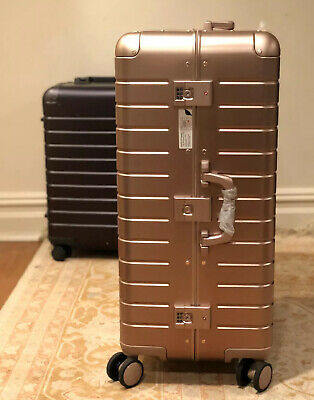 NO RESERVE - AWAY Travel - The Large: Aluminum Edition, Rose Gold 29-in