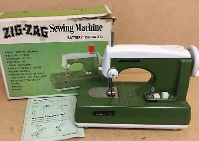 Vintage Childs Green Zig Zag Sewing Machine With Instructions And Original Box