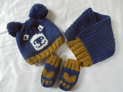 Childrens M&S boys hat/scarf and mitten set - new without tags