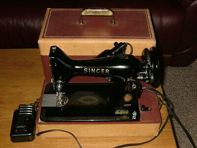 BEAUTIFUL! Vintage 99K Singer Portable Sewing Machine with Case & Foot Control