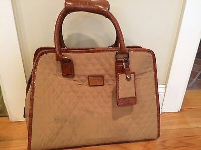 Liz Claiborne Quilted Travel Tote Carry On Luggage