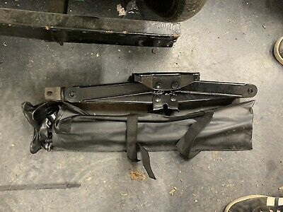 Nissan Navara D40 Spare Wheel Toolkit Jack And Wheel Brace