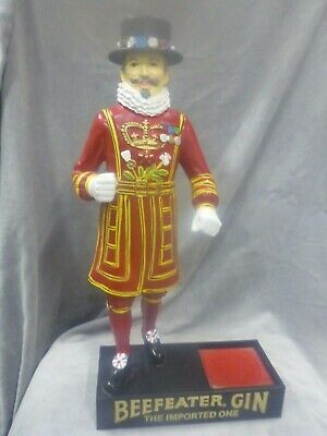 Vintage Beefeater Gin Back Bar Display Statue, Yeoman, Good condition