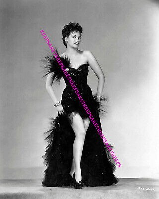 """Actress Yvonne De Carlo """"Lily Munster"""" Sexy And Leggy Photo A-Yd9"""