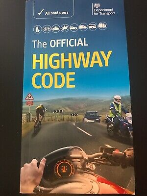 The Official DVSA Highway Code (2015) by Driver and Vehicle Standards Agency