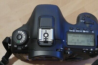 Canon EOS 7D II 20.0 MP Body Only Boxed Shutter Count only 10925