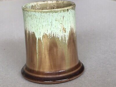 Early Remued Australian Posy Vase # 18 ; 1930's  Mint And Tan ; Excellent cond.