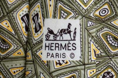 HERMES TIE 7657 TA All Over Mosaic Abstract On Gray Classic Silk Vintage Necktie