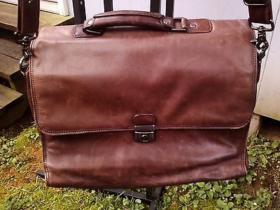 "heritage 125551 brown distressed leather computer laptop bag 6"" flapover"