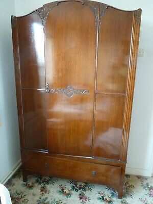 "1931 Oak wardrobe, part solid oak 1/2 "" in thick, good condition"