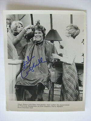 GLEN CAMPBELL - Rare AUTOGRAPHED 8x10 PHOTO - VINTAGE HAND SIGNED PROMO PHOTO