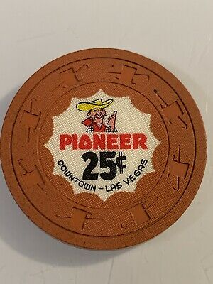 PIONEER CLUB $.25 Casino Chip Las Vegas Nevada 3.99 Shipping