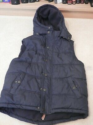 Boys Navy Blue Gillet/ Body Warmer with hood from Fat Face. Age 8 – 9 Years