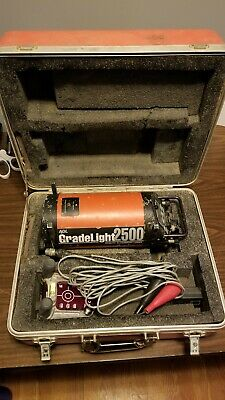 AGL Gradelight 2500 Pipe Utility Laser (Incl. Cables, Remote, Target, and Case)
