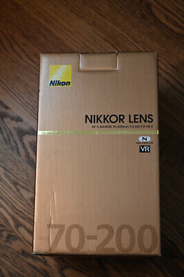 NIKON AF-S Nikkor 70-200mm 1:2.8 GIIED VR Zoom Lens Exc. Condition Accessories!