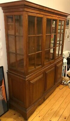 Arts & Crafts Solid Oak Glass-fronted display cabinet