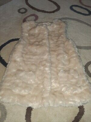 Girls M&S faux fur Gillet Age 11-12 Years Exc Condition worn 3 times
