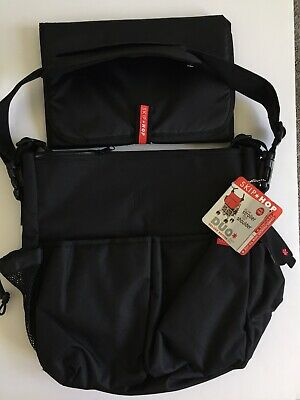 Skip Hop Duo Messenger Diaper Bag New Deluxe Black *W* Stroller Changing Pad