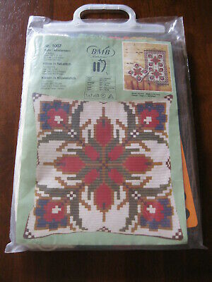 B.M.B: Pillow in Flat stitch Kit: No. 1007: Open NOT started