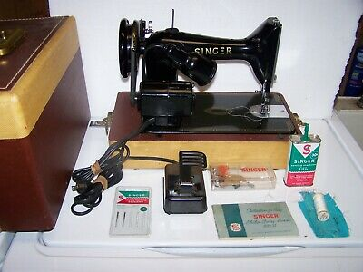 1958 Singer 99 K sewing machine with accessories