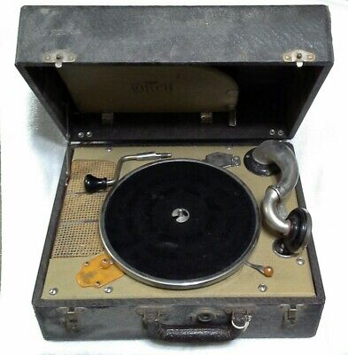 Vintage BIRCH Model No. 72 - WIND UP RECORD PLAYER.    WORKS