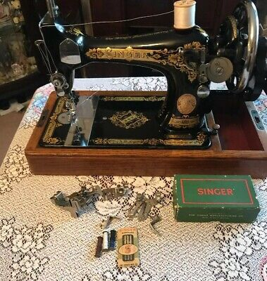 Vintage Singer Sewing Machine 28k With Case & Accessories 1933 VGC